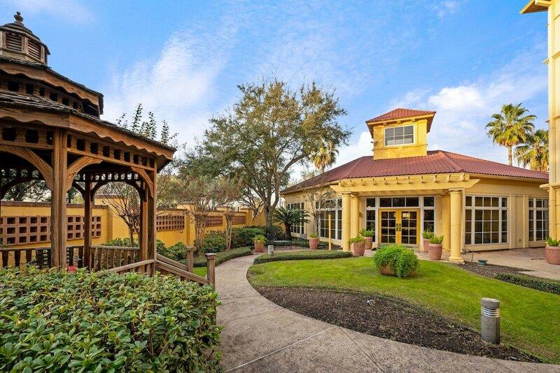 La Quinta Inn & Suites by Wyndham Houston West Park 10
