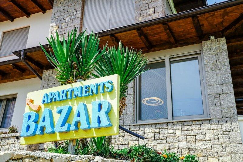 Bivalvia Apartments