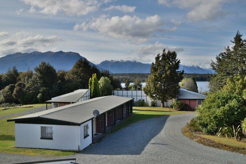 Fiordland National Park Lodge