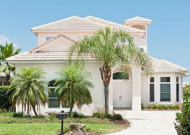 Bahama Mama 4 Br home by RedAwning