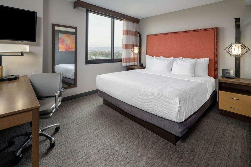 La Quinta Inn & Suites by Wyndham Lax