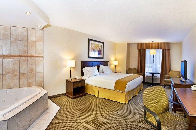 Holiday Inn Express Hotel & Suites - Slave Lake