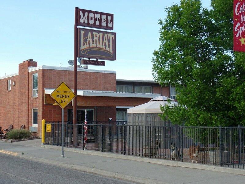 Lariat Motel
