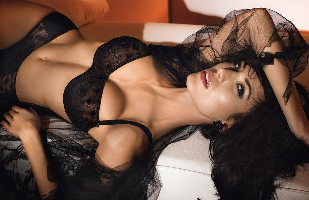 сексуальные фото девушек с черными волосами уже