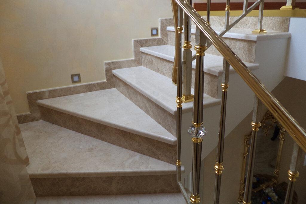 лестница из керамогранита в доме фото чаус