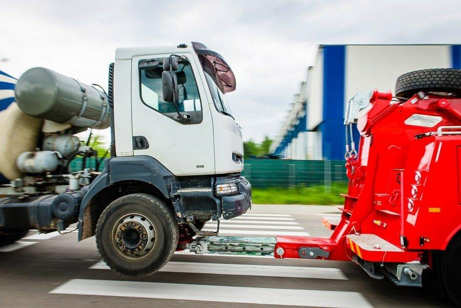 эвакуаторы грузовиков фото в россии последние годы жизни