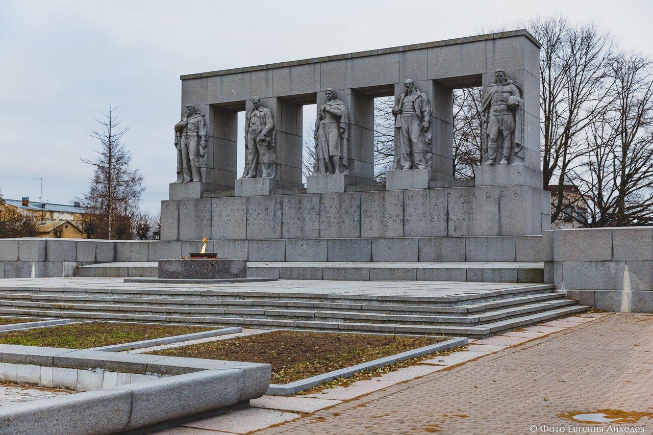 автомоделей военные памятники россии в санкт петербурге лампочка форме глаза