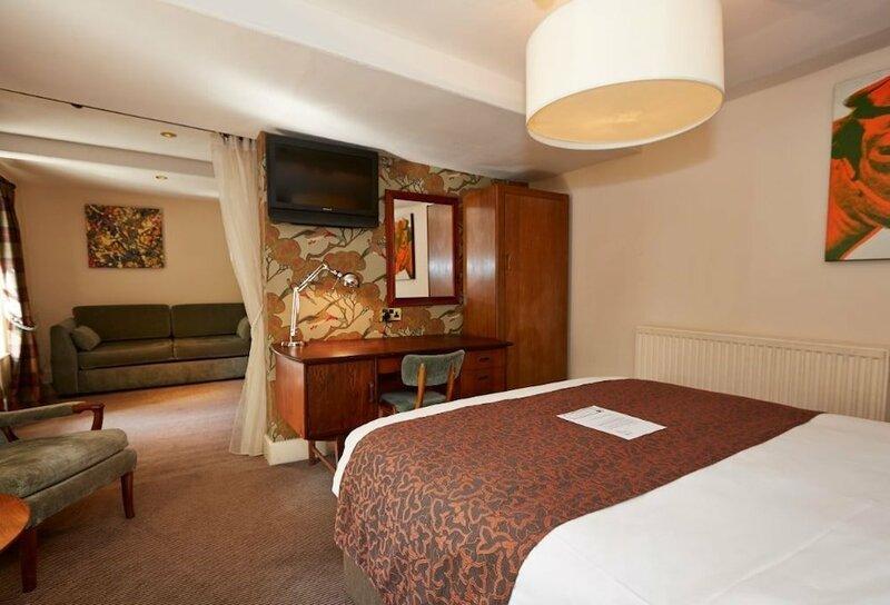 Cross Hands Hotel Old Sodbury by Greene King Inns