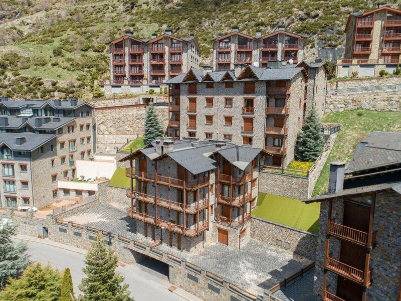 Esquirol Apartments - Near Soldeu Ski Resort