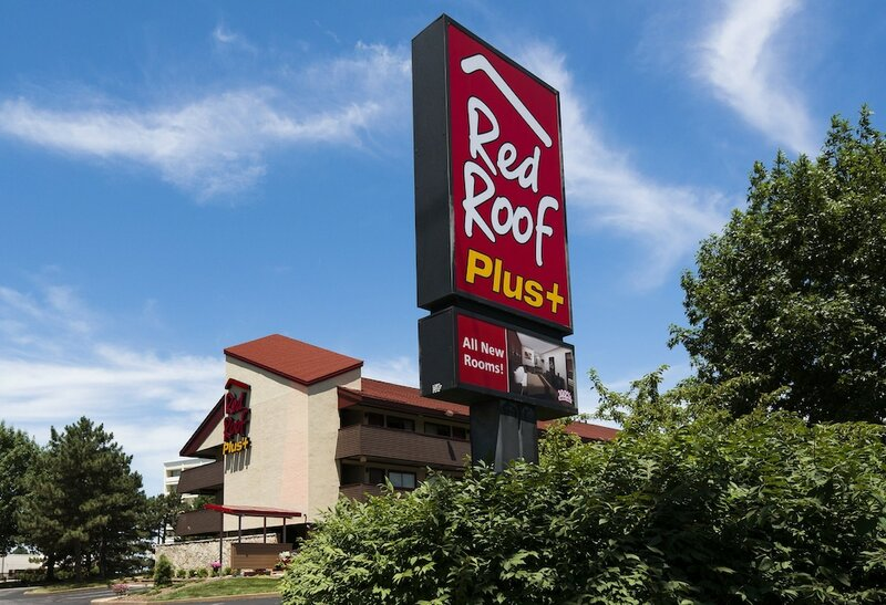 Red Roof Inn Plus+ St Louis - Forest Park Hampton Ave