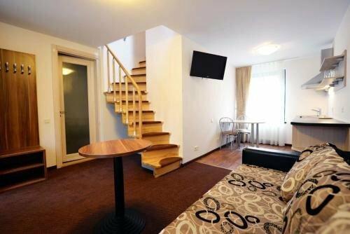 Guest House & Villa Astoma