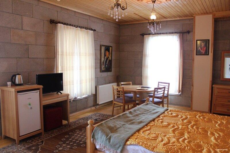 Lake Cildir Lodge