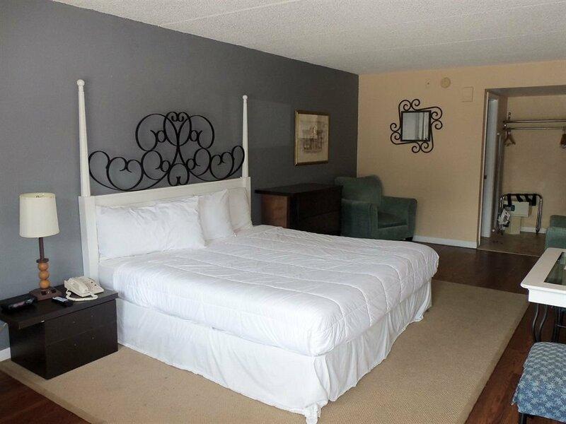 Claremont Kissimmee Hotel