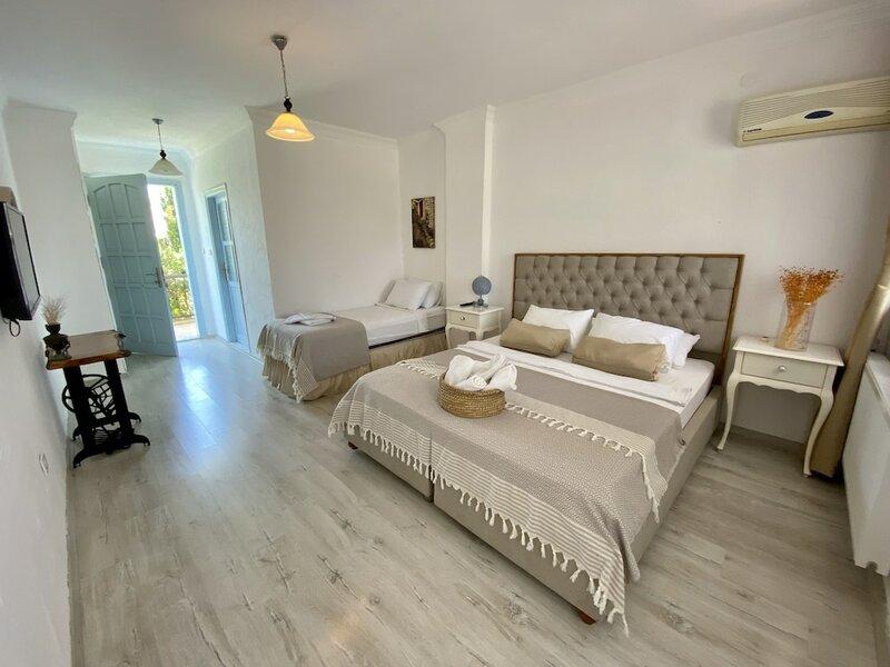 Alasonya Otel Alacati by Lamira
