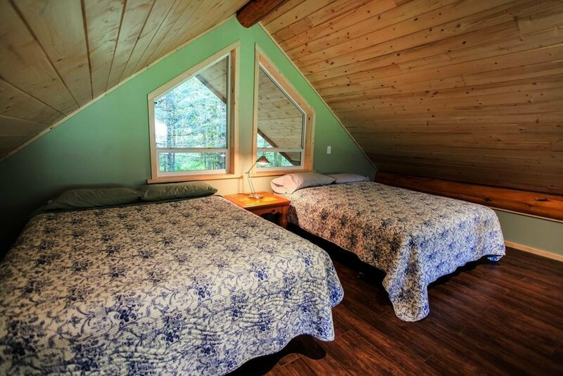 Bella Coola Grizzly Tours Cabins
