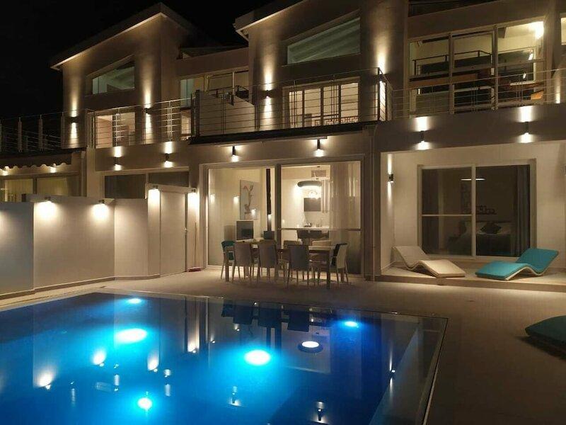 Okeanos Luxury Villas - Resort & Hotel