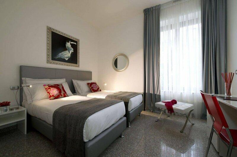 Monza City Rooms & Studios