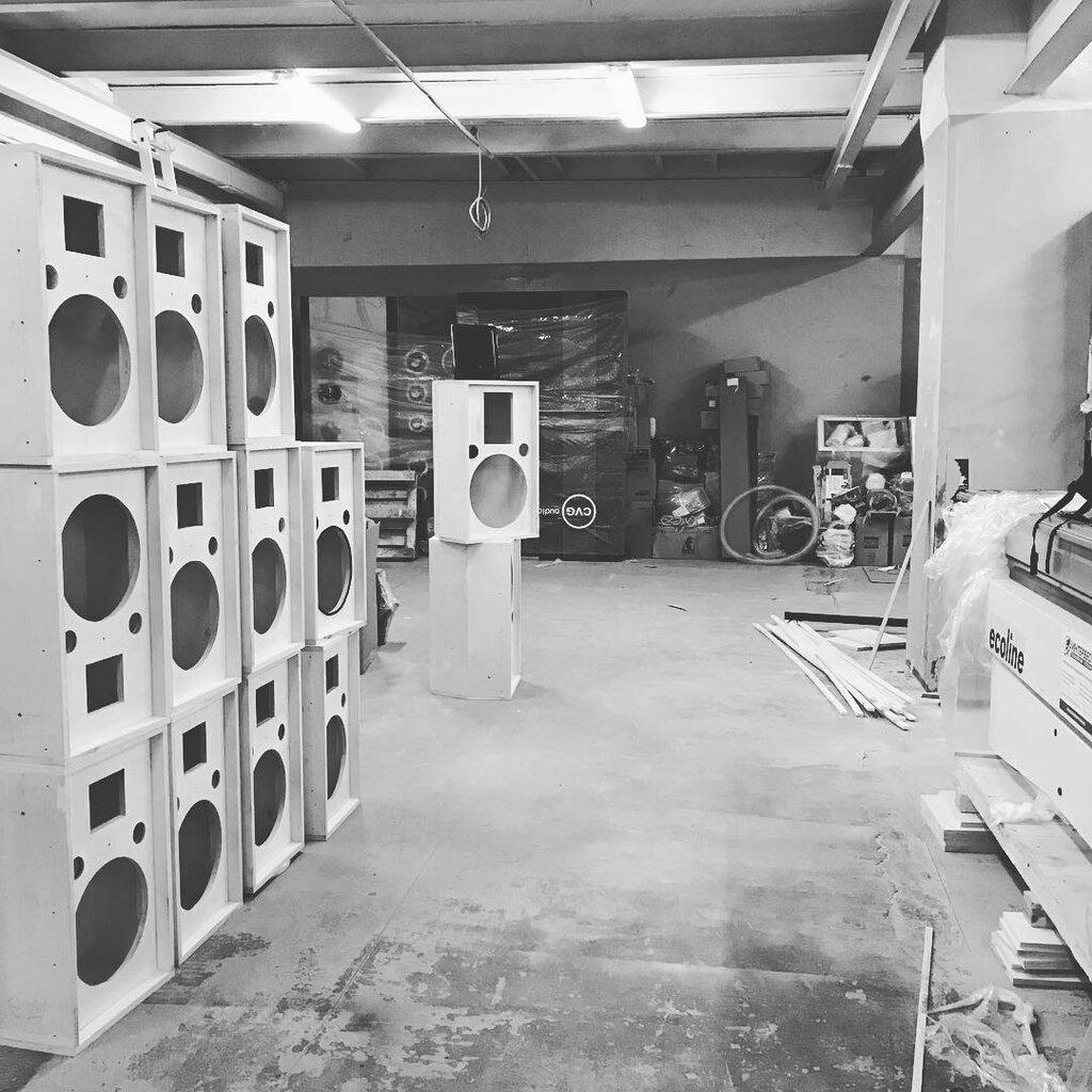звуковое и световое оборудование — Cvg Audio, склад — Москва, фото №4