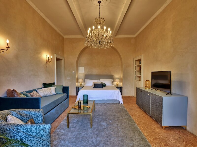 Dandelion Como Suites & Park