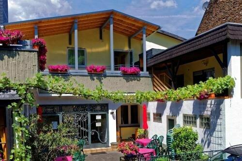 Moselstern-Hotel 'Zum Guten Onkel'