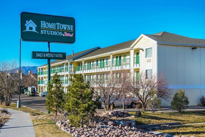 HomeTowne Studios by Red Roof - Colorado Springs Airport