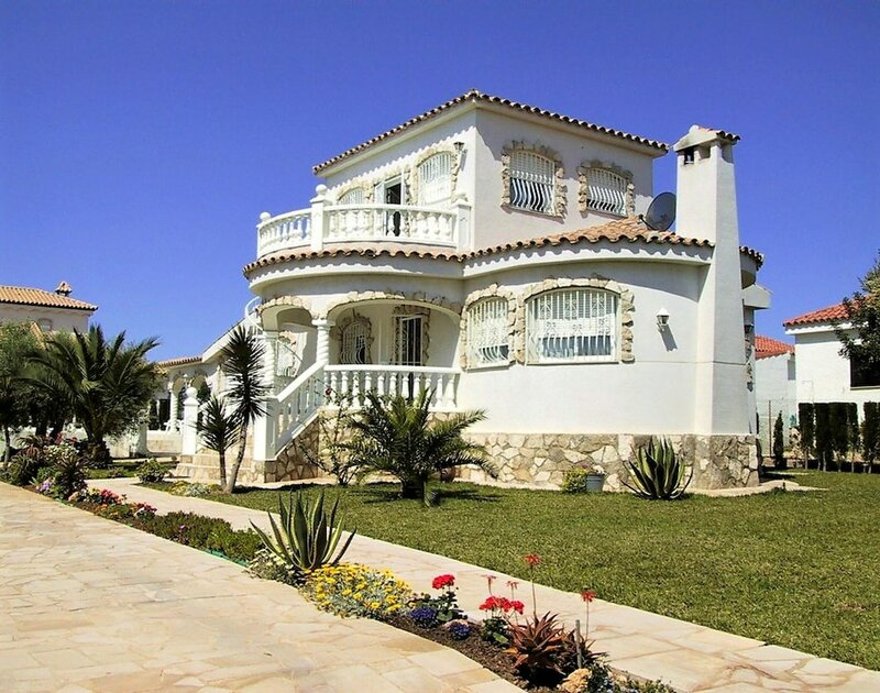 Villa With 3 Bedrooms in Ampolla, With Wonderful sea View, Private Pool, Furnished Garden - 200 m From the Beach