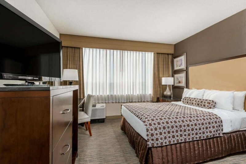 Delta Hotels by Marriott Cincinnati Sharonville