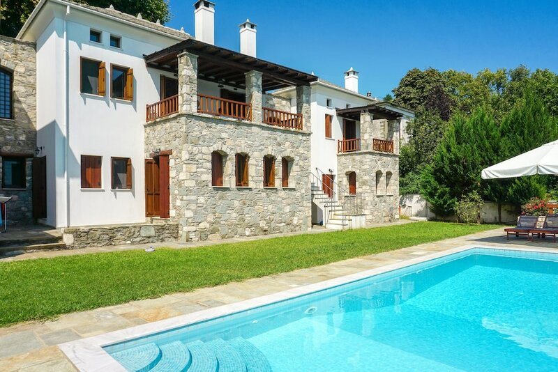 Villa With 5 Bedrooms in, With Wonderful sea View, Private Pool, Enclosed Garden - 7 km From the Beach