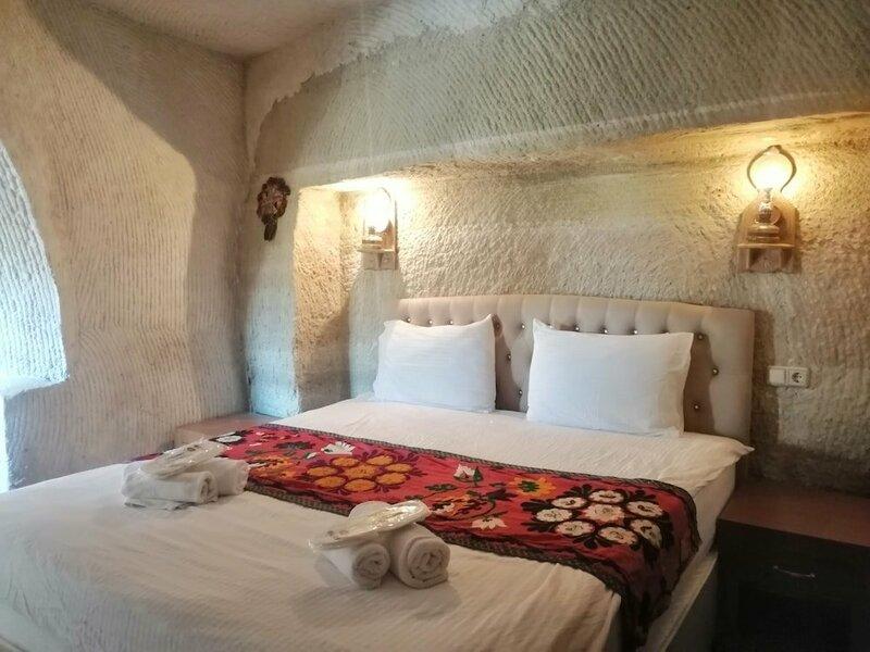 Seven Rock Cave Hotel