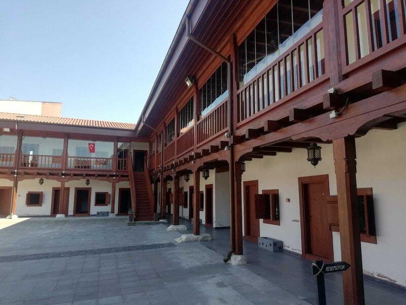 Tarihi Tashan Otel
