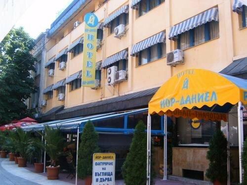 Yor-Daniel Hotel