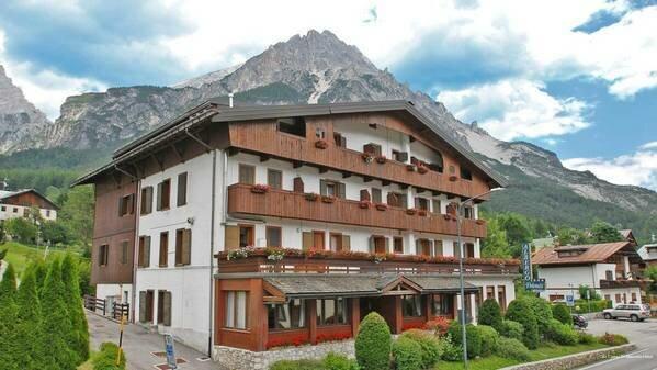 Hotel Ristorante ai Campi Di Marcello