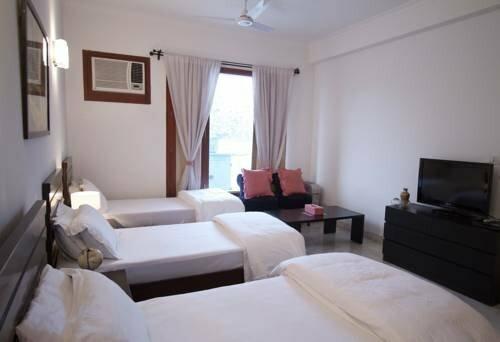 Luxury Suites Park Front