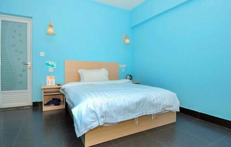 8090 Sea View Room