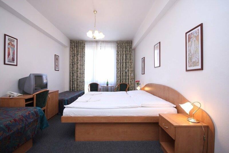 Отель Legie