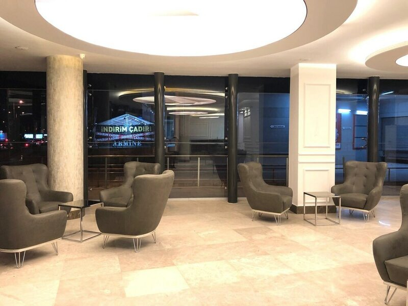 Le Luxe suites hotel & SPA