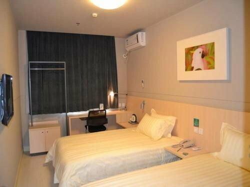 Echarm Hotel Nanchang Bayi Square