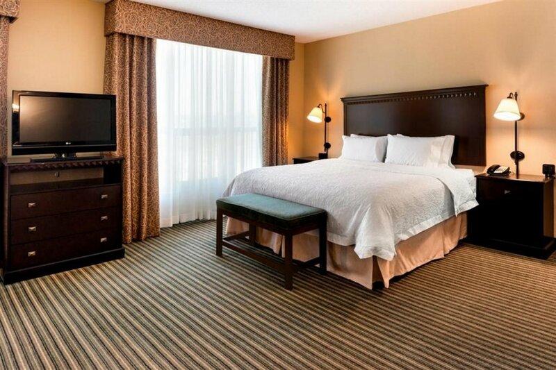 Hampton Inn & Suites National Harbor - Alexandria Area
