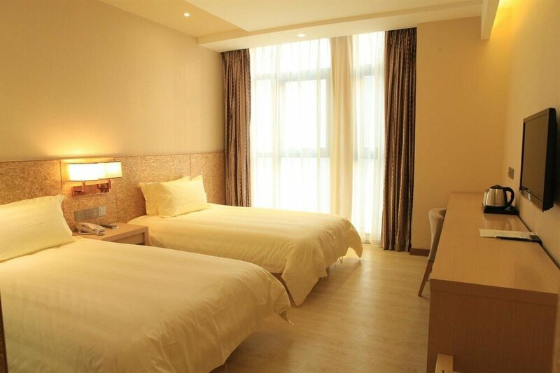 I-opal Hotel