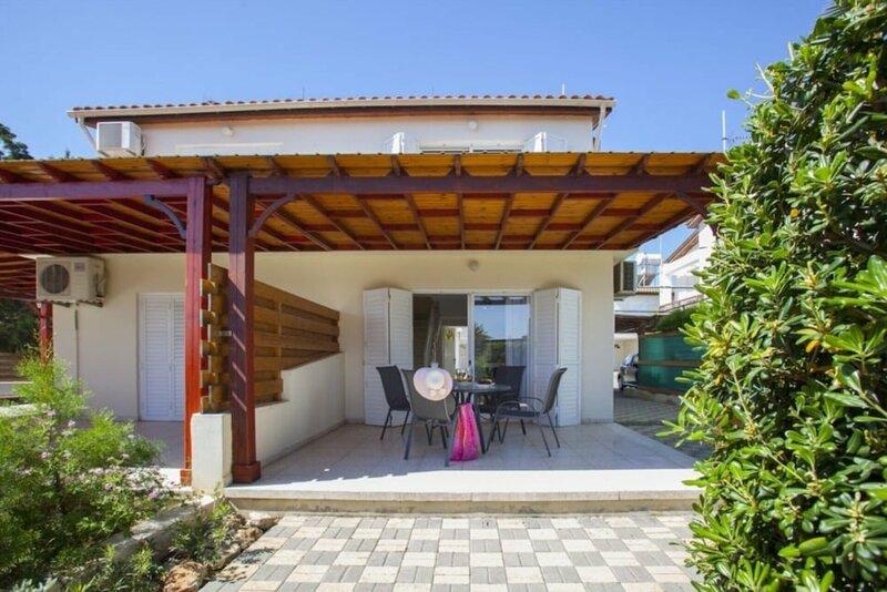 5 Star Villa for Rent in Cyprus, Larnaca Villa 1012