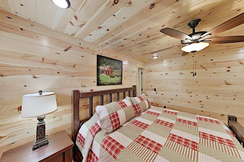 222flwkd 2 Bedroom Cabin