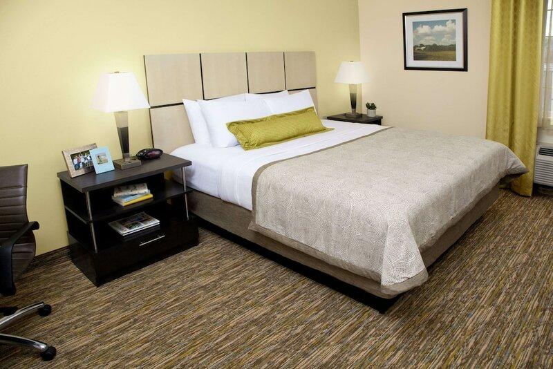 Sonesta Simply Suites Detroit Warren