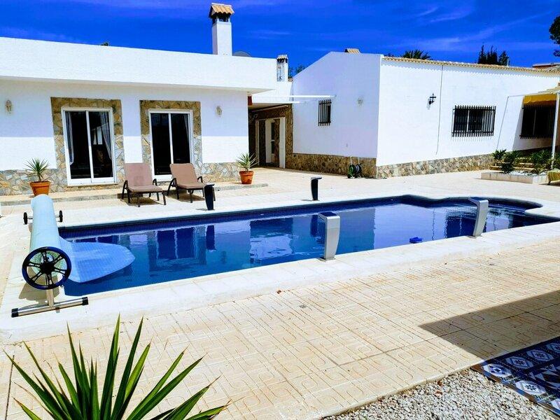 Impeccable 6-bed Villa