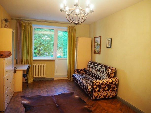 Na Troizkoy Apartments
