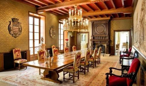 Château La Tour Carnet - B. Magrez Luxury Wine Experience