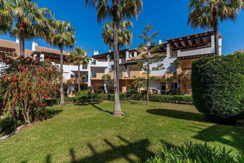 Blumarine Las Arenas de Marbella Canovas