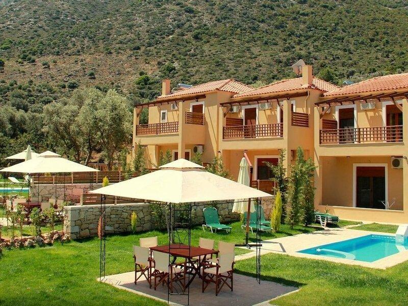 Pathos Villa by LeaderStay