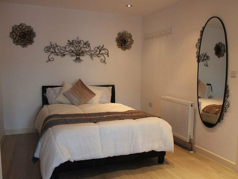 Whitechapel Deluxe Rooms