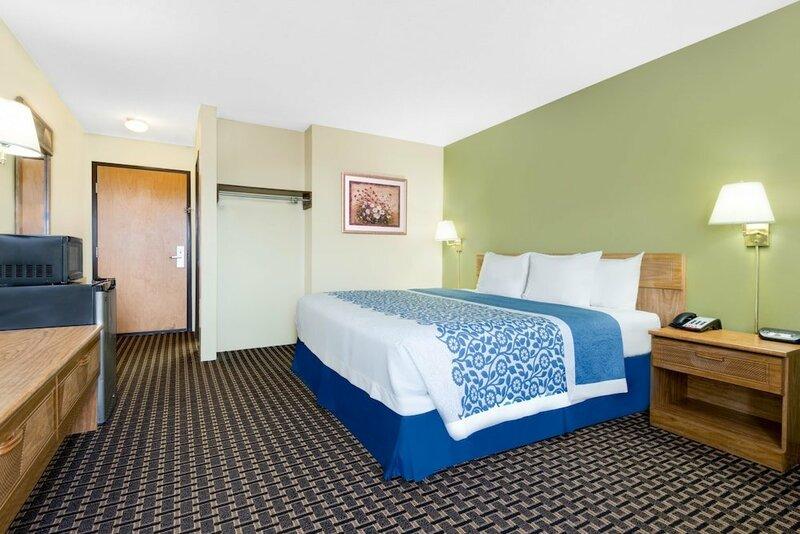 Sky-Palace Inn & Suites Newton