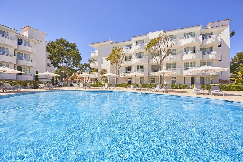 Prinsotel La Pineda Hotel And Apartments